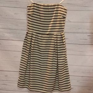 Everly strapless dress sz small                f42